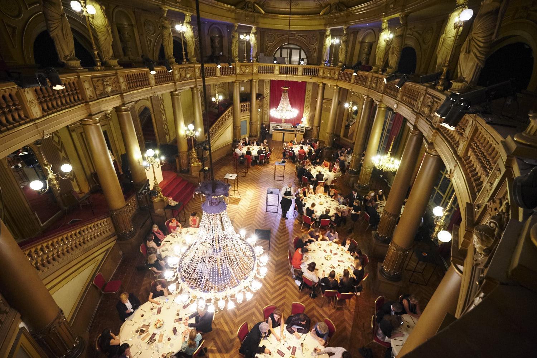 A night at the opera detail true by geoffrey van hulle